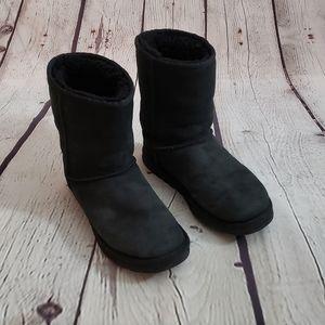 UGG Classic short boot Sz 7